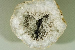 Keouk geode half with chalcedony coating
