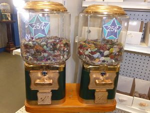 Tumbled stones coin-op machine