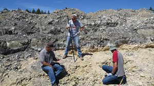 Rockhounds chatting and searching
