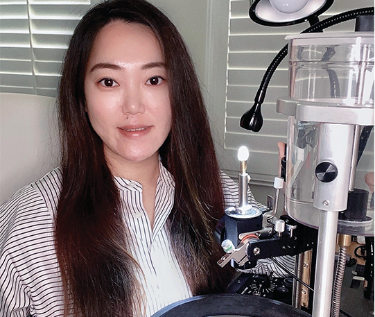 Chen Xue withULTRA TEC V5 VL Classic Faceting Machine