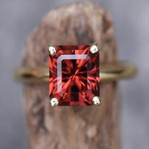 Red Kenyan garnet
